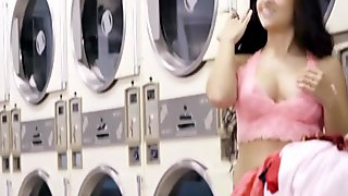Annika Eve Her Pussy Against The Dryers