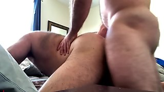 MUSCLEBULL'S QUICK RAW BAREBACK FUCK AFTER WAKING HORNED UP