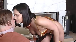 Hot bellydancer fulfills her masters very steamy orders