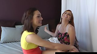 Ginger Bush Babe Penny Pax Rims & Sucks Lily LaBeau's Ass!