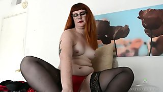Thick redhead Barbary Rose rubs hairy pussy